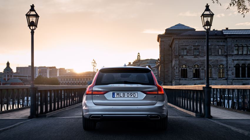 Canzone pubblicità Volvo V90 2016