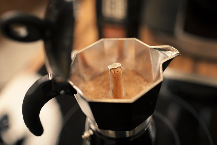 Come preparare un buon caffè schiumato da casa