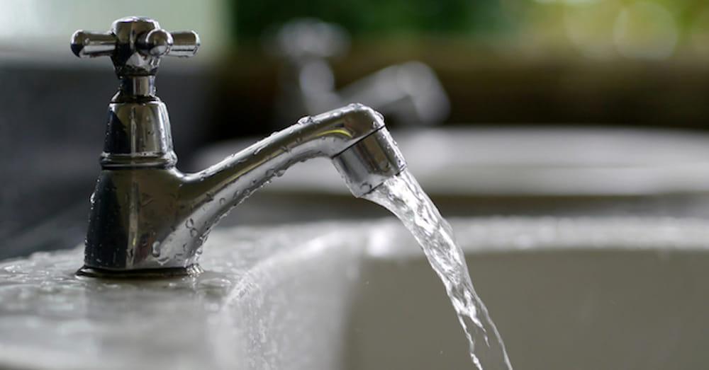 Come ripristinare il filtro rompigetto del rubinetto intasato dal calcare
